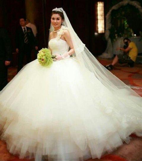Свадебные платья пышные очень пышные