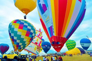 colorful summer balloon travel photography
